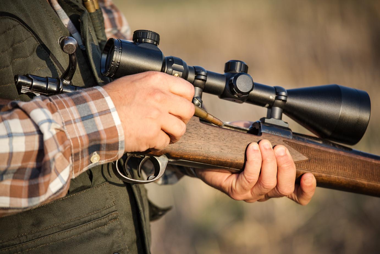Handläggningstiderna för vapenlicens måste kortas