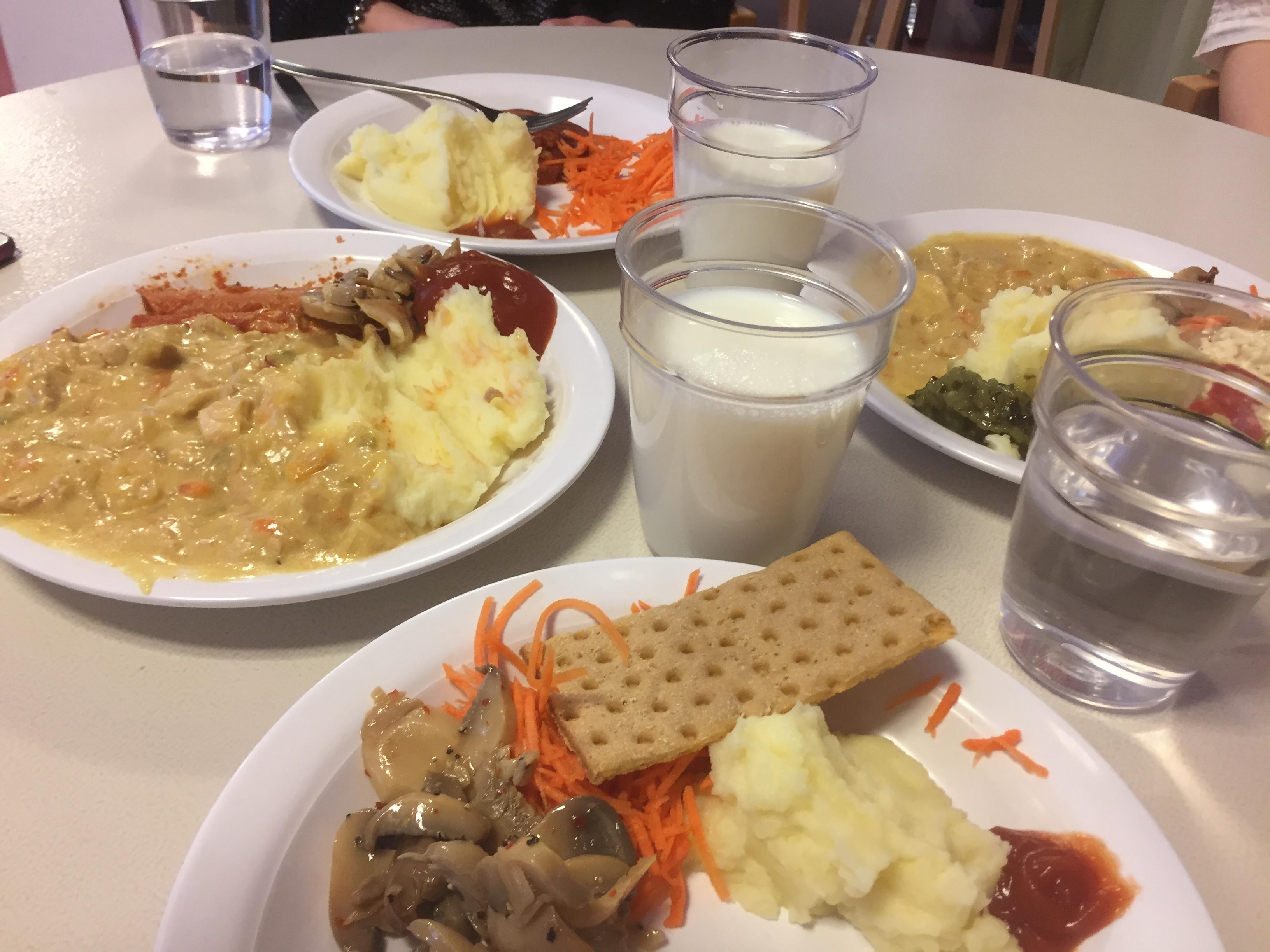 M kräver mer svensk mat i skolan