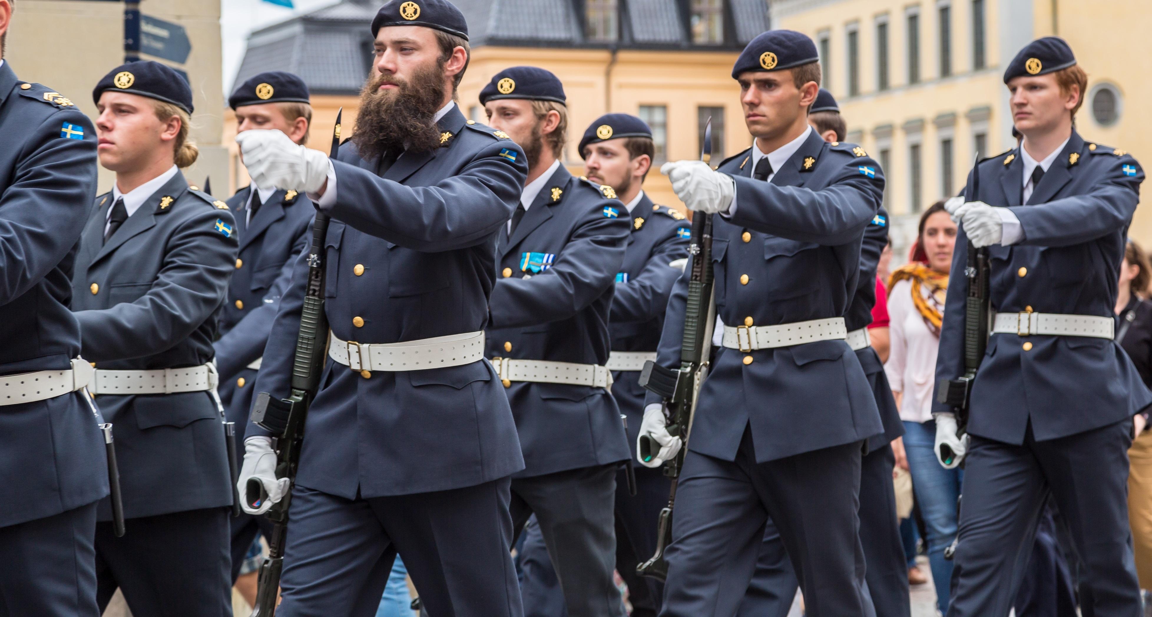 Öppnar värnplikt för nya regementen?