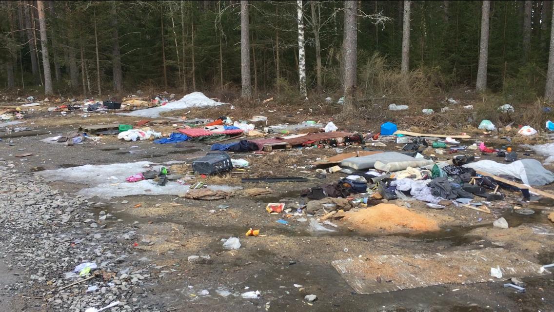 Stora kostnader för nedskräpning från det övergivna migrantlägret vid Backen/Baggböle