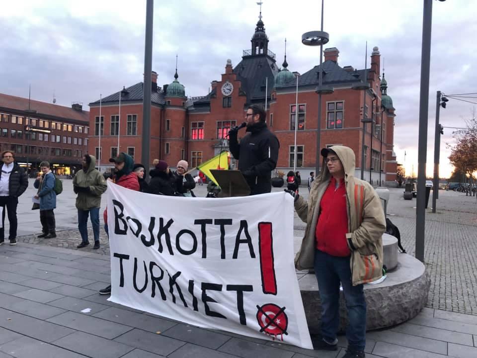 Riedl (M) vill att Sverige driver på för hårdare sanktioner mot Turkiet